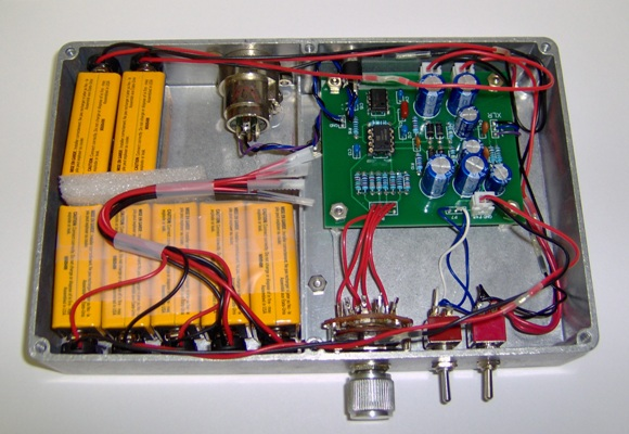 Battery powered microphone preamp